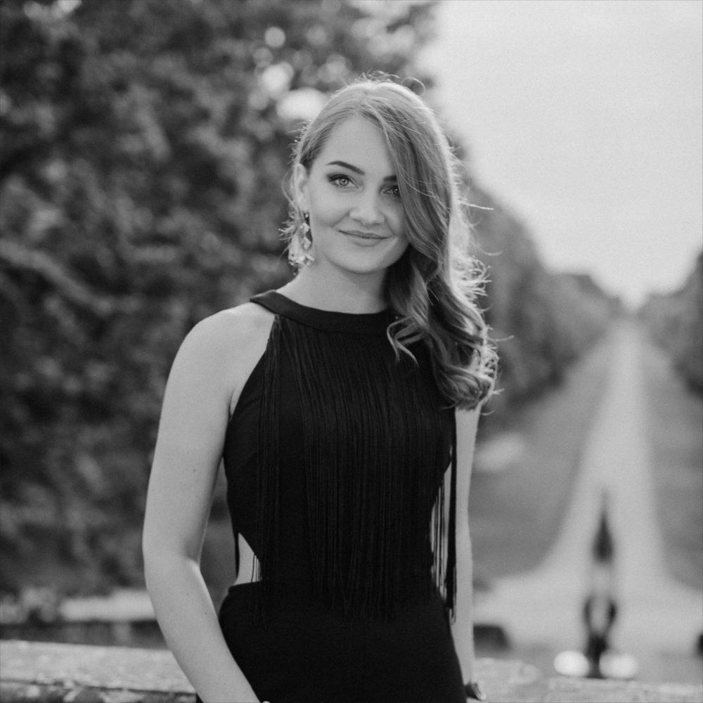https://grant-hochzeit.de/wp-content/uploads/2018/12/Xenia-Grant-Hochzeit-1000-x-1000.jpg